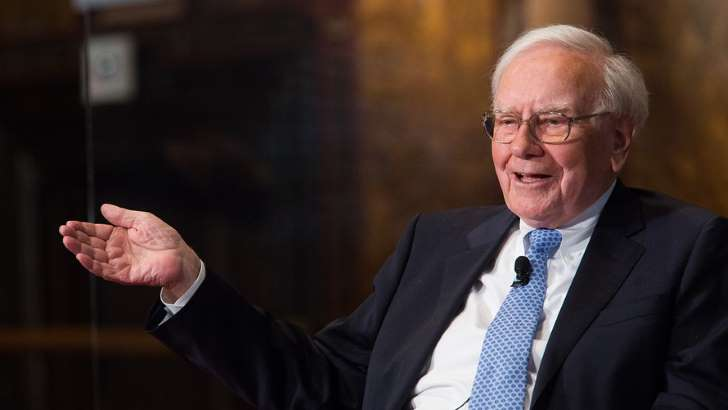 Warren Buffett is having trouble selling his home — how to avoid that same fate